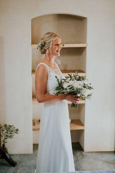2017 Wedding, Wedding Day, Bride Bouquets, Wedding Photography, Wedding Dresses, Flowers, Beautiful, Fashion, Valentines Day Weddings