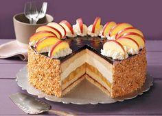 Holunder-Apfel-Torte mit Schmand                              -                                  Eine fruchtige Torte mit Apfel und Holunder für die Kaffeetafel