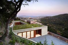 Kentfield Hillside Residence / Turnbull Griffin Haesloop Architects - © David Wakely Photography
