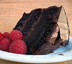 Chocolate Raspberry Ganache Cake Sour Cream Chocolate Cake, Chocolate Raspberry Cake, Chocolate Flavors, Chocolate Ganache, Rasberry Cake, Chocolate Men, Baking Chocolate, Chocolate Heaven, Flourless Chocolate