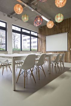 Simple and unique meeting room #meetingspace #design #moderndesign http://www.ironageoffice.com/