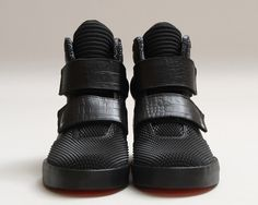 """The Nike Flystepper 2K3 """"Crescent City"""" will be available this weekend."""