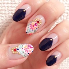 Eriko ImaiさんはInstagramを利用しています:「My nails 刺繍ネイル〜✨ 最近、お洋服も刺繍が流行ってますよね 可愛すぎるのは苦手なので、濃紺と合わせて、スタッズの置き方を個性的にしました #nailland #rednails #nail #nails #nailstagram #nailart…」