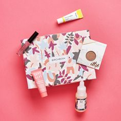 The manufacturing and designing of makeup boxes should be done carefully to have an impact on the people. Make the packaging attractive, durable, and eye-catching. Ruby Rose, Birchbox Reviews, Box Packaging, Design Packaging, Cosmetic Packaging, Makeup Box, Subscription Boxes, Beauty Box, Bride Gifts