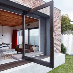 Red brick house modern - House and home design Architecture Design, Australian Architecture, Cheap Home Office, Bungalow, Casa Patio, Interior Design Singapore, Courtyard House, House Extensions, Interior And Exterior