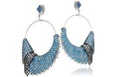 Boucles d'oreilles percées pendantes cotte de mailles Lei, cristal Swarovski Delphine-Charlotte Parmentier