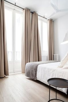 The Pros & Cons of Different Curtain & Drapery Styles — The Savvy Heart Beige Curtains, Home Curtains, Curtains With Blinds, Hanging Curtains, Living Room Curtains, Modern Curtains, Apartment Curtains, Curtain Ideas For Living Room, Sliding Door Curtains