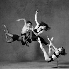 What an incredible choreographed moment caught by photographer Annie Leibovitz