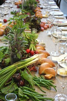 29 Fail-Proof Vegetable Wedding Centerpieces a fam-styled table runner with onion, radish, plums and herbs Table Centerpieces, Table Decorations, Centrepieces, Edible Wedding Centerpieces, Floral Centerpieces, Flower Arrangements, Wedding Decorations, Market Table, Deco Table