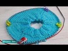 Cómo tejer (suéter, pullover) manga Ranglan desde el cuello con agujas circulares # 587 - YouTube Baby Knitting Patterns, Knitting Designs, Knitting Videos, Knitting For Beginners, Knit Crochet, Crochet Hats, Magic Loop, Drops Design, Amigurumi Doll
