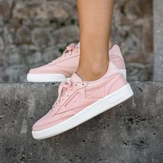 I+just+discovered+this+while+shopping+on+Poshmark:+Reebok+Blush+Pink+Club+C.+Check+it+out!++Size:+8