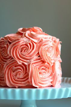 Peach Rose Cake - Oh Sweet Day! Peach buttercream sounds amazing