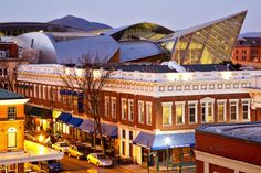 Situated West of the Blue Ridge and east of the Allegheny Mountains, Roanoke, historically known as the cultural hub of southern Virginia, is experiencing a resurgence downtown. A burgeoning medica...