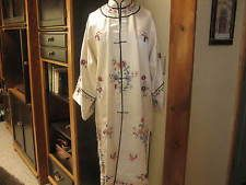 Vintage Kimono Silk Ivory Embroidered Flowers Hong Kong Authentic