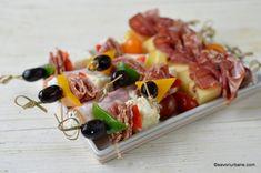 scobitori aperitiv cu salam masline telemea si ardei colorati Lidl, Sushi, Waffles, Cherry, Breakfast, Ethnic Recipes, Food, Ham, Salads