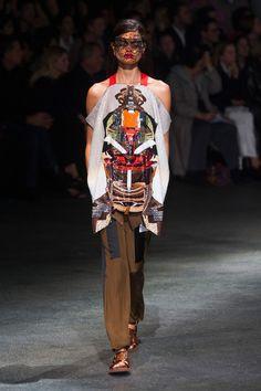 Défilé Givenchy prêt-à-porter printemps-été 2014, Paris. #PFW #fashionweek #runway