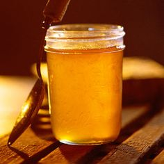 How to make honey-lemon jelly. Honey-Lemon Jelly (((Skim foam off top. There will be rind in it , I rinse the foam and put the rind back in ))) Lemon Jelly Recipe, Jelly Recipes, Jam Recipes, Canning Recipes, Lemon Recipes, Italian Recipes, Salsa Dulce, Little Lunch, Sauces