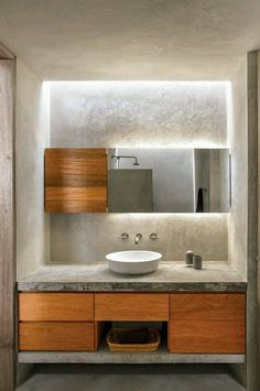 Beautiful lighting in a modern bathroom