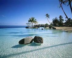 Crystal Clear Water, Tahiti pic.twitter.com/rEMY0QE3pR