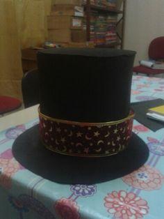 Dia do Circo:Cartola do mágico.