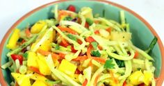 I think I have a new favorite Cole Slaw (Actually in this case, Broccoli Slaw). Fresh sweet Mango, Pineapple juices and tidbits combine. Side Recipes, Great Recipes, Favorite Recipes, Hawaiian Coleslaw, Broccoli Cole Slaw, Pineapple Juice, Side Dishes, Salads, Food Sides