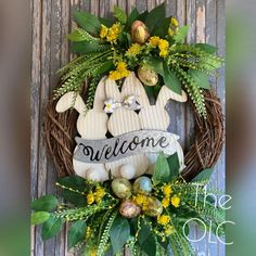 Diy Spring Wreath, Spring Front Door Wreaths, Easter Wreaths, Holiday Wreaths, Adorable Bunnies, Easter Crafts, Easter Decor, Spring Flowers, Creations