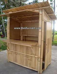 We also still need to get the garden bar built but our friends wife's had s baby so understandably his priorities have changed 🌴🍺🍹Resultado de imagem para bar de bambu Bamboo House Design, Bamboo Bar, Bamboo Ideas, Bamboo Building, Bar Shed, Bamboo Structure, Outside Bars, Bamboo Architecture, Bois Diy