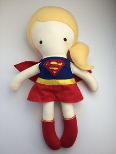 Supergirl  muñeca hecha a mano  tela muñeca  Geek  cómic