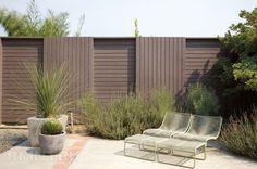 Как сделать красивый и функциональный забор на своем участке. 15 идей
