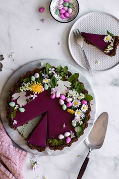 Heidelbeer-Tarte mit Schoko-Walnuss-Boden vegan glutenfrei - Flowers in the Salad Desserts Végétaliens, Dessert Recipes, Easter Recipes, Quick Dessert, Quick Easy Desserts, Dessert Food, Summer Desserts, Plated Desserts, Salad Recipes For Dinner