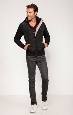 http://www.armandthiery.fr/fr/gilets/at-jeans/gilet-sport-p-21113-coul-14-page-2.htm