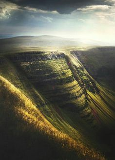 "landscape-lunacy: ""Brecon Beacons, Wales - by Matt Owen-Hughes "" Stunning Photography, Landscape Photography, Nature Photography, Travel Photography, Beautiful Places To Visit, Wonderful Places, Monuments, Brecon Beacons, Album Photo"