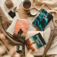 Couple Goals Relationships, Relationship Goals, Pop Fiction Books, Jonaxx Boys, Book Flatlay, Wattpad Books, Book Aesthetic, Book Photography, Vintage Books