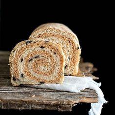 La ricetta del Pan Bauletto alle olive, aromatizzato al pomodoro la trovate nel mio blog 🍒 Madame gâteau, diario di cucina 🍒#panbauletto #pane #impasti #bestbakery #lovetobake #holidaybaking #foodblogger #storyofmytable