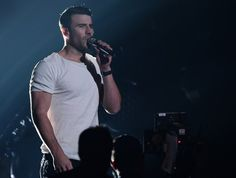 Wait, who's Sam Hunt, you're wondering? Well, he's the guy who is about to make you fall in love with country music. | People Are Freaking Out Over How Hot Sam Hunt Is