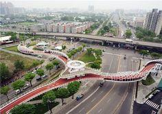 Bike Bridges Show the City Puts People First-In Kaohsiung, Taiwan Urban Design Concept, Urban Design Diagram, Concept Architecture, Futuristic Architecture, Urban Landscape, Landscape Design, Parque Linear, Plan Maestro, Pedestrian Bridge