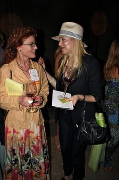 Kibbitzing with Karen MacNeil (merci to Ms. Ashley Teplin for this great shot).  @ Auction Napa Valley