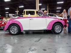 1975 VW Beettle Convertible Custom From Barrett Jackson Vw Super Beetle, Beetle Bug, Vw Beetles, Volkswagen Beetle Cabriolet, Volkswagen Beetle Vintage, Pink Mobile, Barrett Jackson Auction, Collector Cars, Dream Cars
