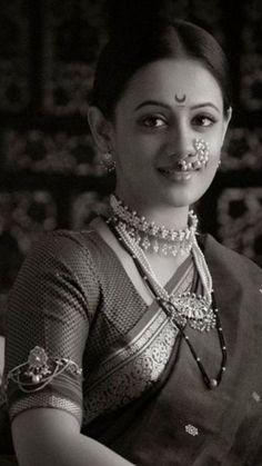 Indian Look, Indian Wear, Marathi Bride, Marathi Saree, Marriage Poses, Kashta Saree, Maharashtrian Jewellery, Nauvari Saree, Traditional Indian Jewellery
