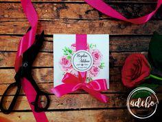 Sunteti in cautarea unor invitatii de nunta cu tematica florala, invitatii de nunta cu flori bujori si tenta roz, invitatii de nunta tiparite pe carton special? Contactati-ne cu incredere, va stam la dispozitie in orice moment. Magazin online cu invitatii de nunta!