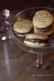 il gaio mondo di Gaia: Biscotti morbidi vegani con crema alla nocciola