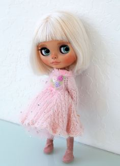 Blythe Dolls For Sale, She Is Gorgeous, Her Hair, Art Dolls, Elsa, Carving, Disney Princess, Trending Outfits, Disney Characters