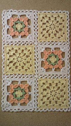 かぎ針編み コサージュ付き小物DN5の画像   野の花手芸噺