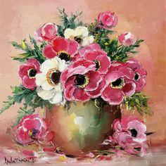 Cândva, așa se lucrau macii, în tablouri. Petale rotunjite, diafane, culori blânde, să nu deranjeze privitorul :) Azi se caută maci mai arțăgoși, viu colorați, mai abstracți, cu petale în colțuri. Ce bine că mai există și melancolicii, visătorii, romanticii 😊 Maci, Floral Wreath, Wreaths, Abstract, Home Decor, Summary, Floral Crown, Decoration Home, Door Wreaths