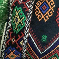 #rotexte Folk Costume, Costumes, Romania, Friendship Bracelets, Bohemian Rug, Rugs, Blouse, Jewelry, Home Decor