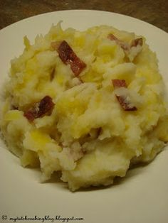 The Dutch Table: Hete Bliksem (Dutch Mashed potatoes with apple and salt pork)