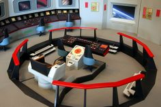 This is my build-up of the AMT/ERTL model kit of the Bridge of the Enterprise from the original Star Trek. The viewscreen is a NASA image from Earth orbit. Star Trek Models, Sci Fi Models, Star Trek Tos, Star Wars, Star Trek Bridge, Go Boldly, Bridge Model, Spaceship Design, Robot Design