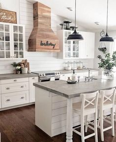 If you are looking for Modern Farmhouse Kitchen Island Decor Ideas, You come to the right place. Here are the Modern Farmhouse Kitchen Island D. Home Decor Kitchen, Farmhouse Kitchen Decor, Kitchen Remodel, Kitchen Decor, Farmhouse Kitchen Island, New Kitchen, Home Kitchens, Kitchen Renovation, Kitchen Design