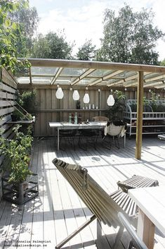 Retractable Pergola Design - Pergola Attached To House With Fireplace - - Pergola Modernas Jardin - Pergola Bioclimatique Appartement Vinyl Pergola, Pergola Carport, Retractable Pergola, Steel Pergola, Building A Pergola, Modern Pergola, Backyard Patio Designs, Pergola Swing, Backyard Pergola
