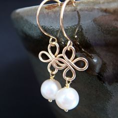 Pretty gold and pearl ear rings